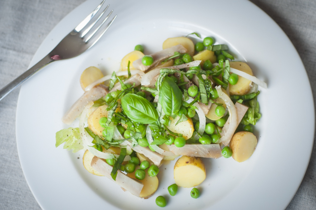 Potatoes, peas and artichokes spring salad_003