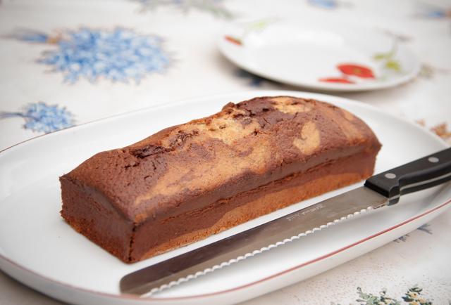 hazelnut and chocolate marrble cake_001